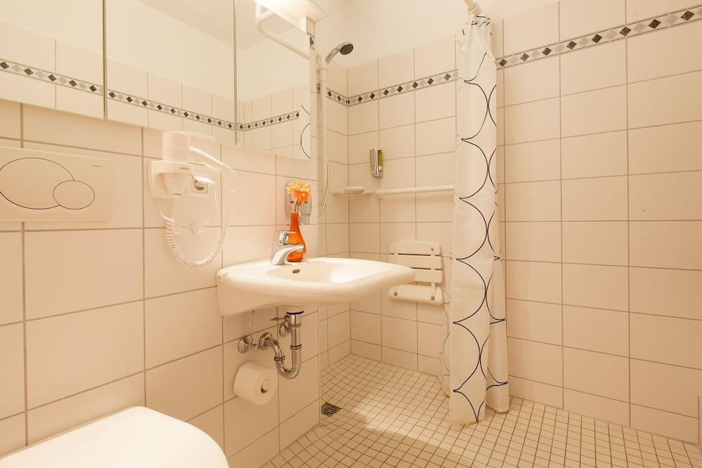 Comfort Apartment, 1 King Bed - Bathroom