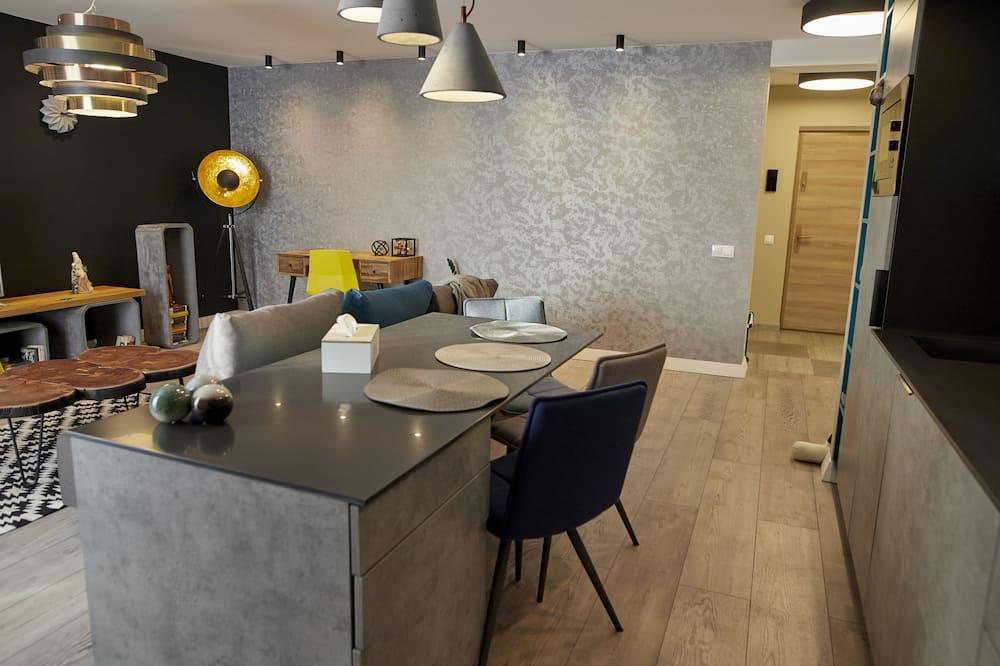 Departamento Deluxe, vista a la montaña - Servicio de comidas en la habitación