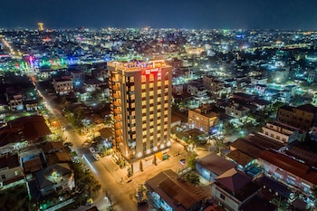 Enter your dates to get the Mandalay hotel deal