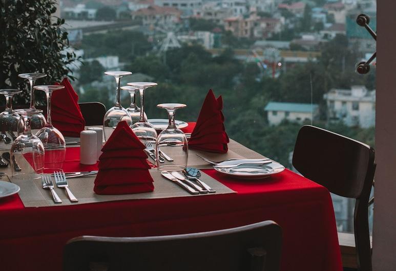 RITZ GRAND HOTEL MANDALAY, Mandalay, Stravovanie vonku