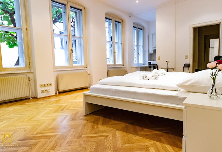 My City Apartments - Prime Location, Vienna, Deluxe Apartment, 1 Double Bed, Non Smoking, Garden View (1.floor), Room