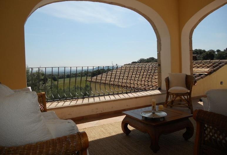 Aia Del Sole, Olbia, Deluxe-Doppelzimmer, 1 Queen-Bett, eigener Pool, zum Garten hin (Papavero), Terrasse/Patio