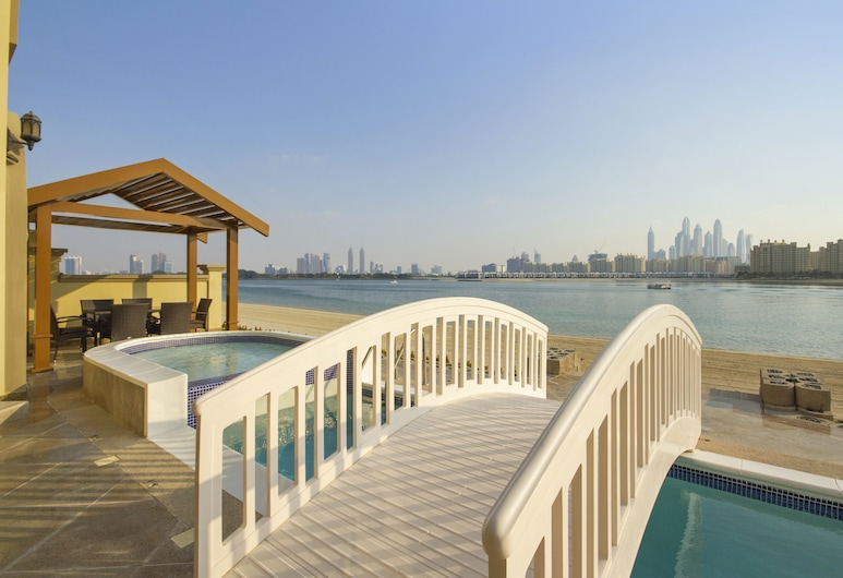 Bespoke Residences-Luxury Frond A Villas, Dubai, Luxury Villa, Multiple Beds, Non Smoking, Beach View, View from room