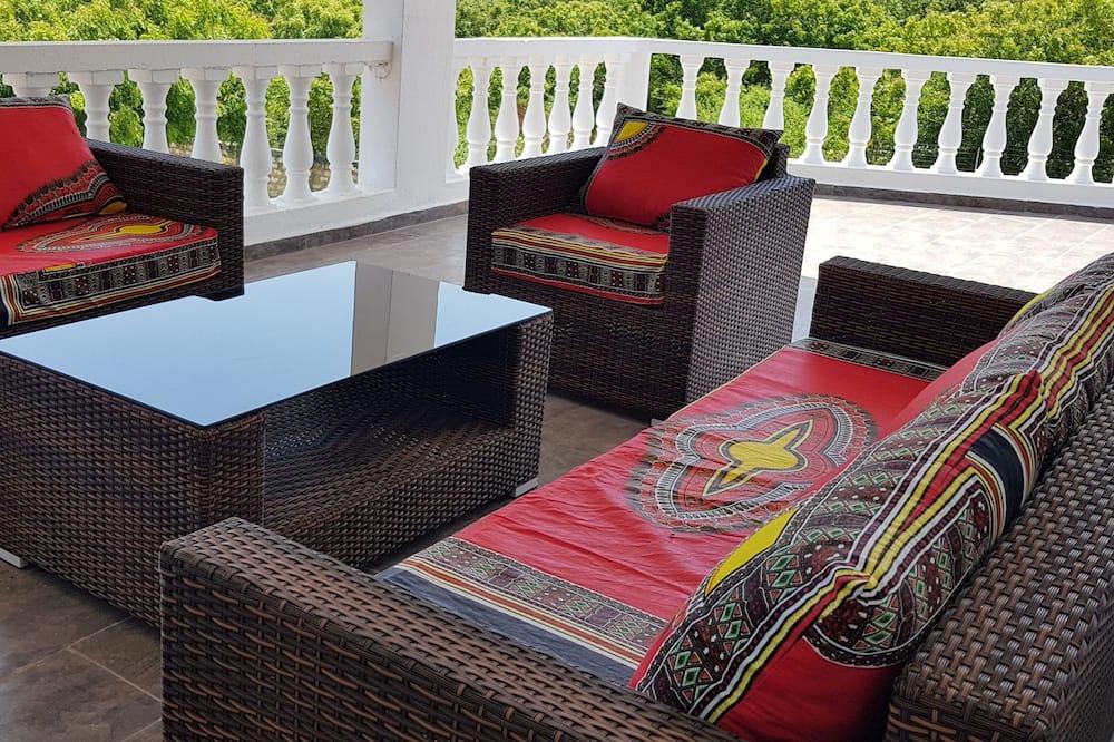 Villa – luxury, 3 soverom, privat basseng, utsikt mot hage - Balkong