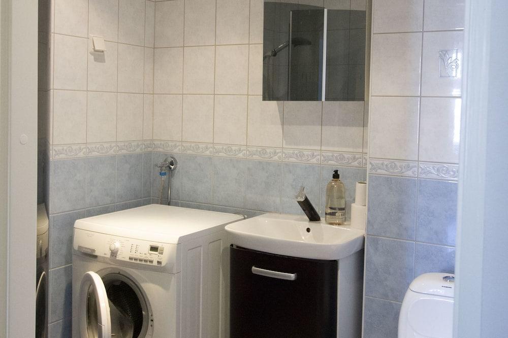 Deluxe-huoneisto, 2 makuuhuonetta, Sauna, Kaupunkinäköala - Kylpyhuone