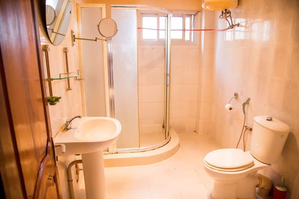 Chambre Double Standard, 1 lit double - Salle de bain