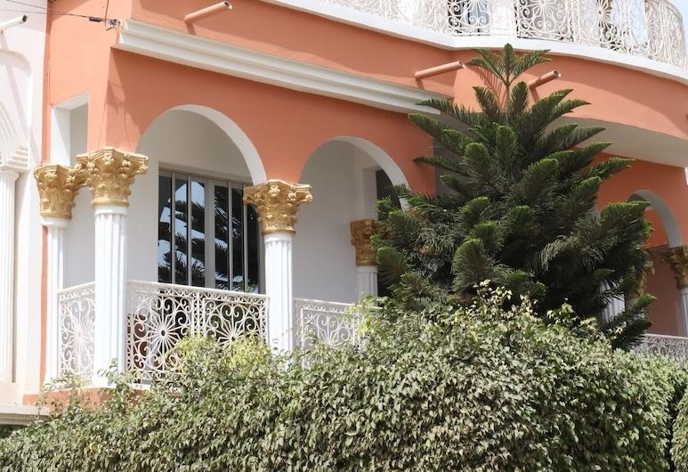 Hotel Illiyin, Dakaras, Viešbučio fasadas