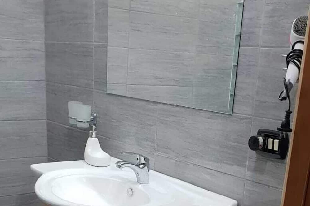 Tradicinio tipo apartamentai, Kelios lovos, Nerūkantiesiems - Vonios kambarys