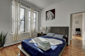 Naktsmītnes Modern Apartment minutes to NYC attēls vietā Džērsisitija