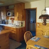 House, 3 Twin Beds (Evergreen Village Retreat) - In-Room Dining