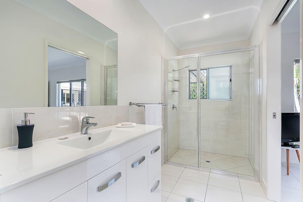 ハウス 5 ベッドルーム 2 バスルーム プールビュー - バスルーム