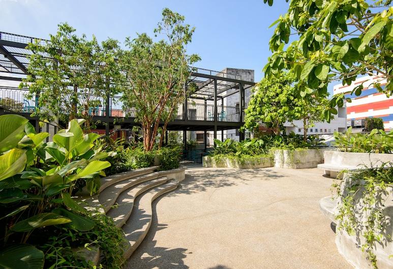 Savv Hotel, George Town, Bahçe