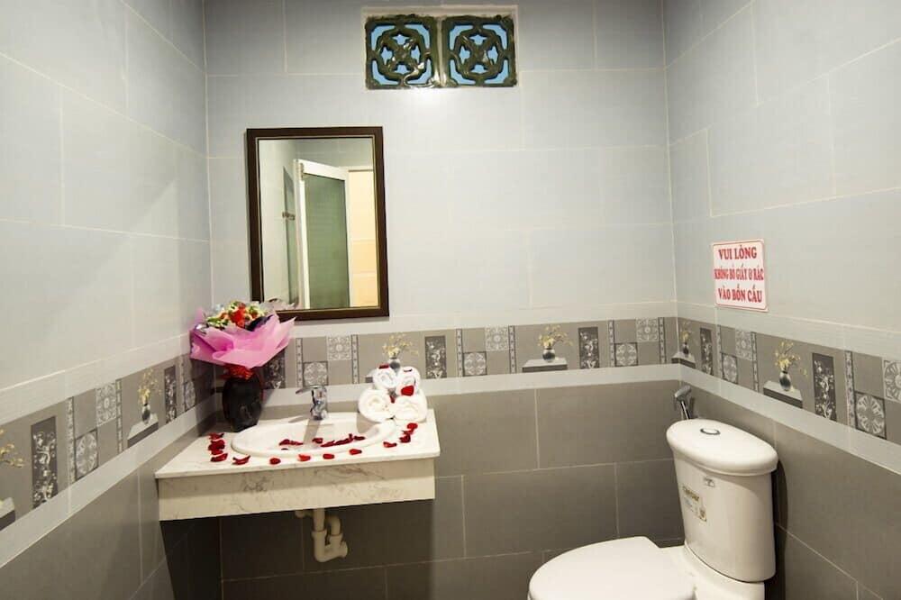 Apartment, 2 Double Beds, Non Smoking - Bathroom