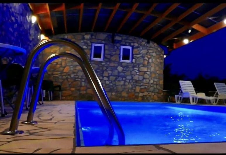 Holiday Home Karalic, Ležimir, Piscina Exterior