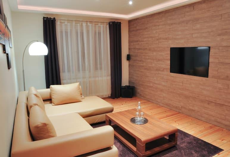 Best City Home Apartment, Berlin, Lägenhet Premium - utsikt mot staden, Vardagsrum