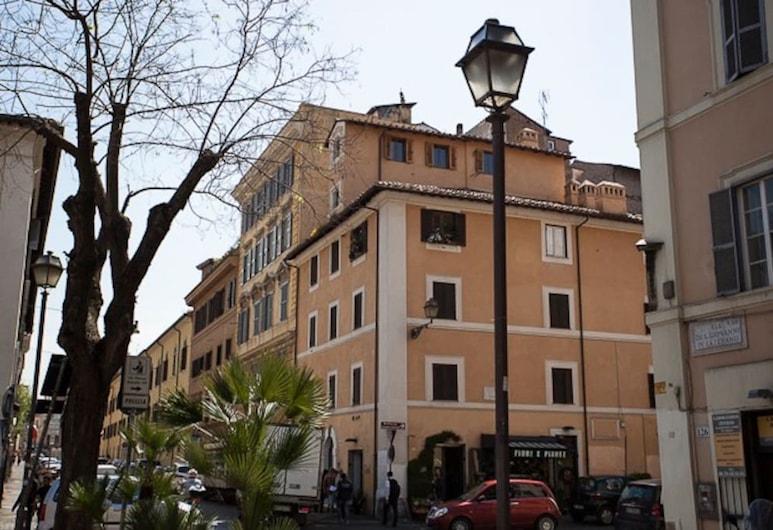 Casa Flaminia al Colosseo, Rom