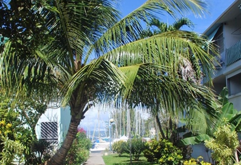 Apartment With one Bedroom in Les Trois Ilets, With Furnished Garden - 300 m From the Beach, Trois-Ilets, Garden