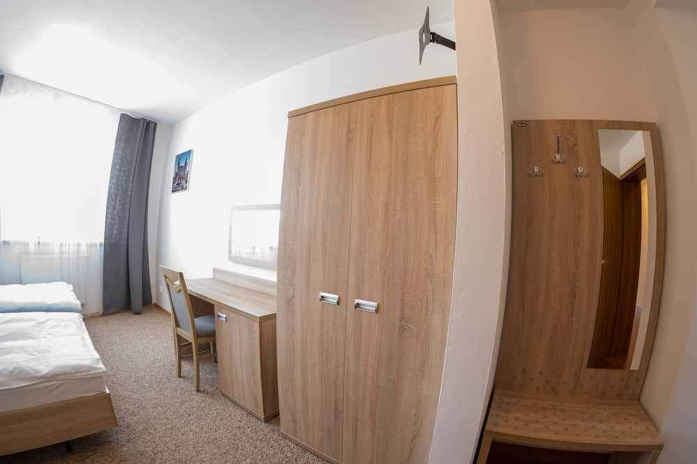 Pokój dwuosobowy z 1 lub 2 łóżkami typu Classic - Powierzchnia mieszkalna