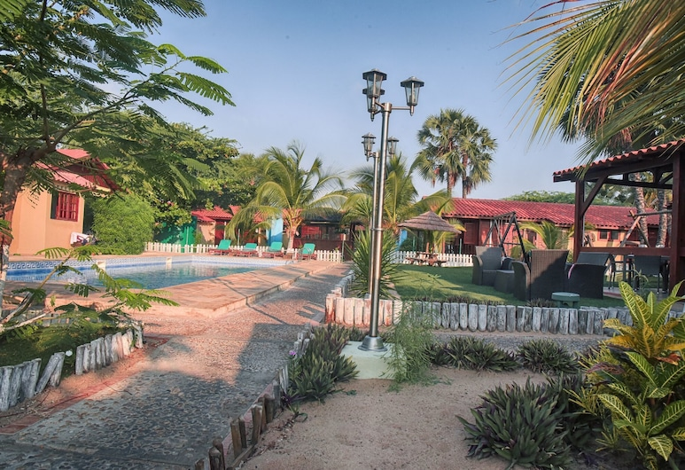 Thomson Beach House - Nayuka, Belas, Property Grounds
