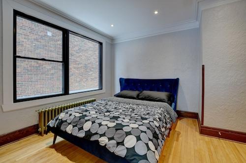 NDGの完全に改装されたモダンで広々とした3ベッドルーム