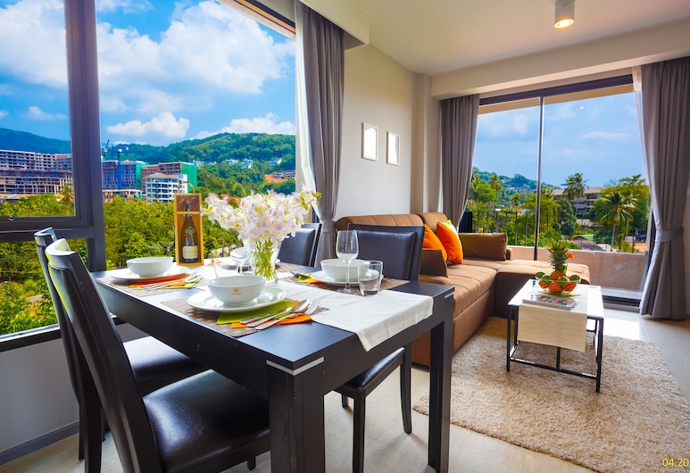 6th Avenue Phuket Surin - by Holy cow, Choeng Thale, Comfort Apartment, Living Area