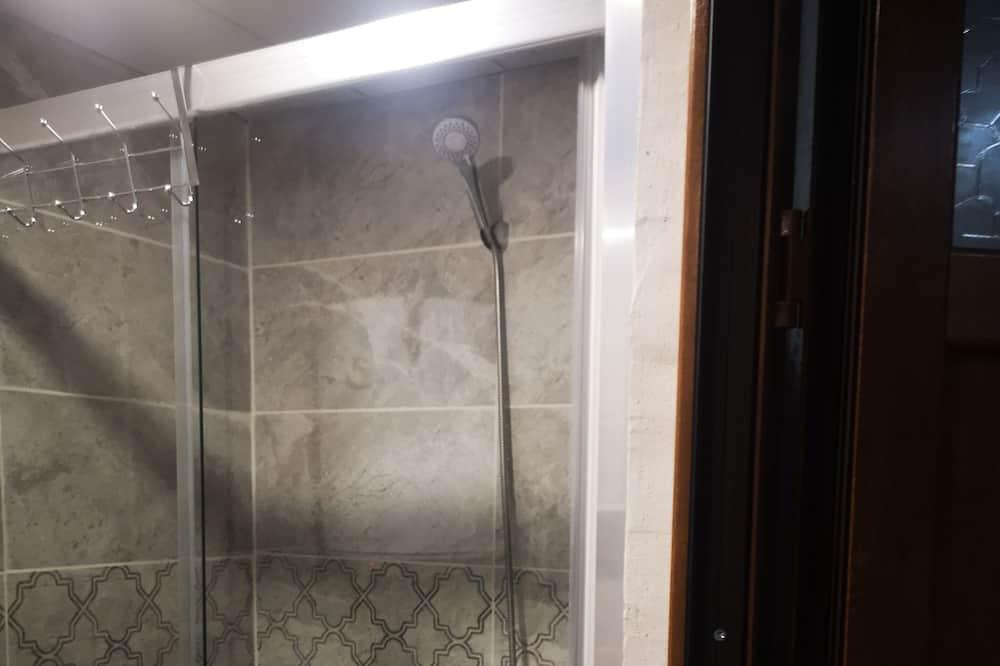 Standard Tek Büyük Yataklı Oda, Deniz Manzaralı - Banyo