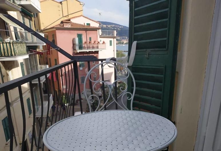卡美拉民宿, Lerici, 家庭四人房, 共用浴室, 部分海景, 陽台
