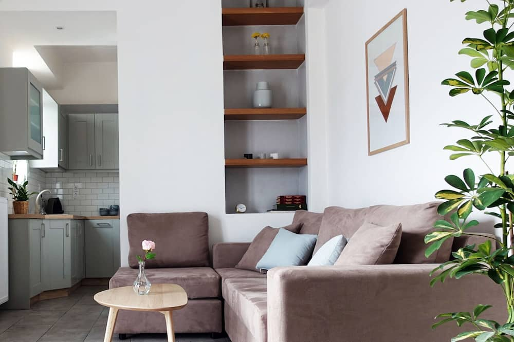 Augšstāva numurs, divas guļamistabas, nesmēķētājiem, skats uz pilsētu - Dzīvojamā istaba