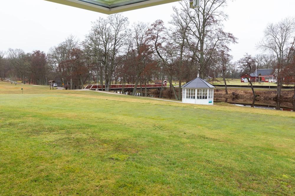 Traditional Quadruple Room (Hostel) - Golf view