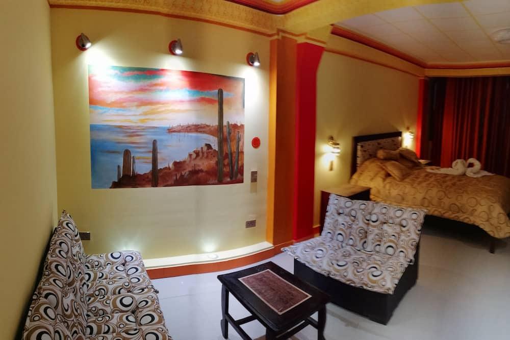 Phòng đôi Deluxe, 1 giường cỡ queen, Không hút thuốc, Quang cảnh thành phố - Phòng khách