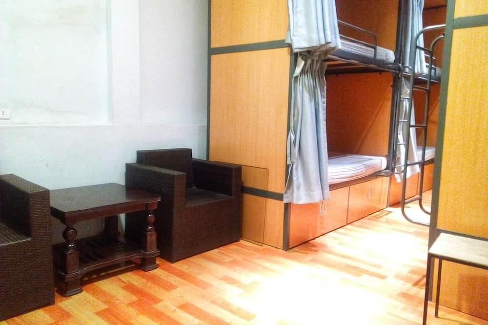 Delad sovsal - Basic - sovsal (män och kvinnor) (8-Bed) - Gästrum
