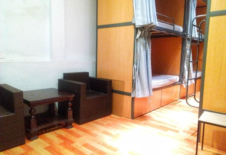 Golden Snake Hostel, Hanoi, Wspólny pokój wieloosobowy o podstawowym wyposażeniu, koedukacyjny pokój wieloosobowy (8-Bed), Pokój