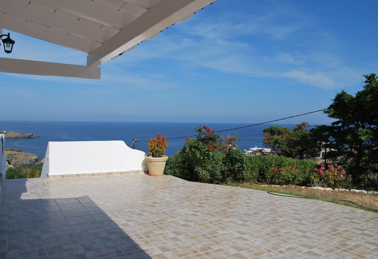 Bay View House, Syros, Exterior