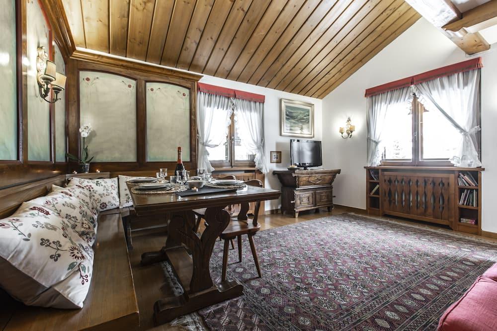 شقة - غرفتا نوم - منظر للجبل - منطقة المعيشة