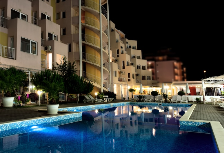 Apart-Hotel Vanilla Garden, Sunny Beach, Hotel Front – Evening/Night