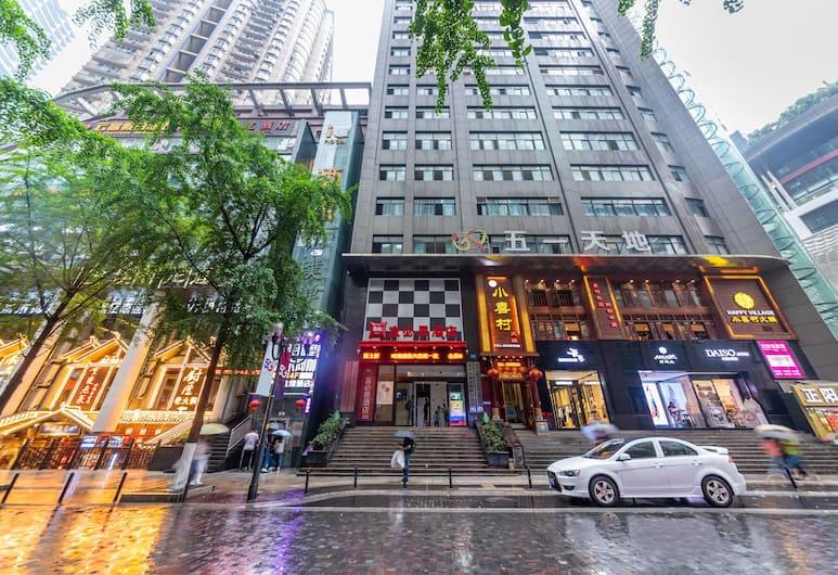 Ibis Chongqing Jiefangbei Pedestrian Street Hotel, Chongqing, Hotel Front