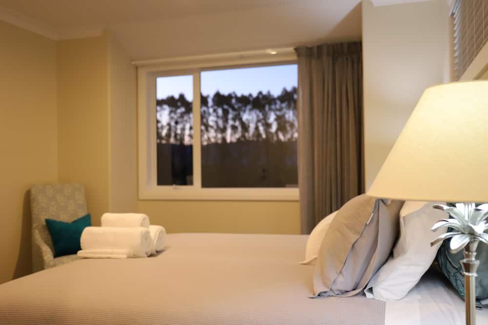 Номер-люкс категорії «Делюкс», 2 спальні, обладнано для інвалідів, з видом на гори (Kaimai View) - Номер