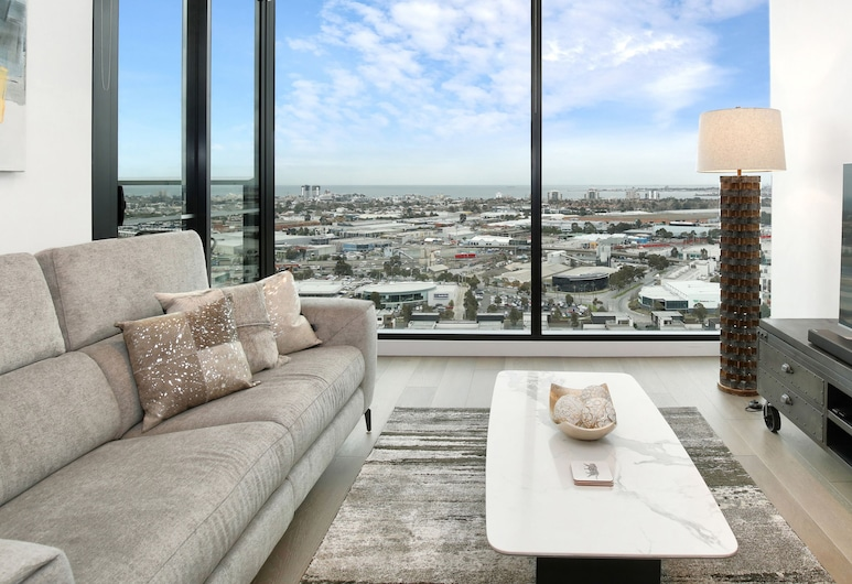 Orange Stay at Collins Wharf, Docklands, One Bedroom Apartment with Study - River View, Living Room
