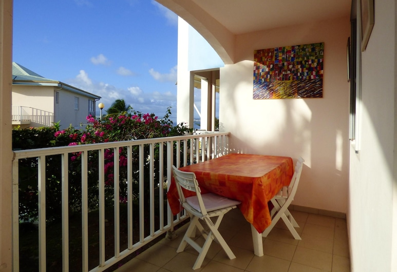 Apartment With 2 Bedrooms in Les Trois-îlets, With Wonderful sea View, Terrace and Wifi - 1 km From the Beach, Trois-Ilets, Terrace/Patio