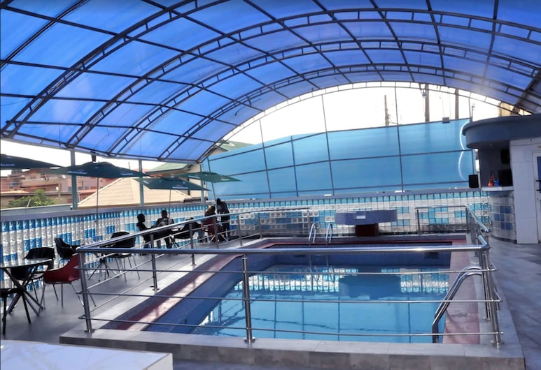 D'Luxx Villa & Suites, Lagos, Alberca al aire libre