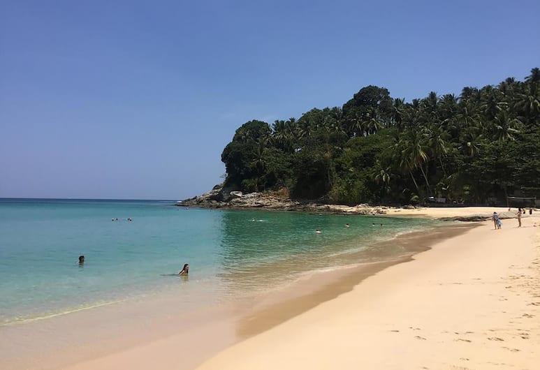 디 아리스토 푸켓 리조트 11, Choeng Thale, 해변