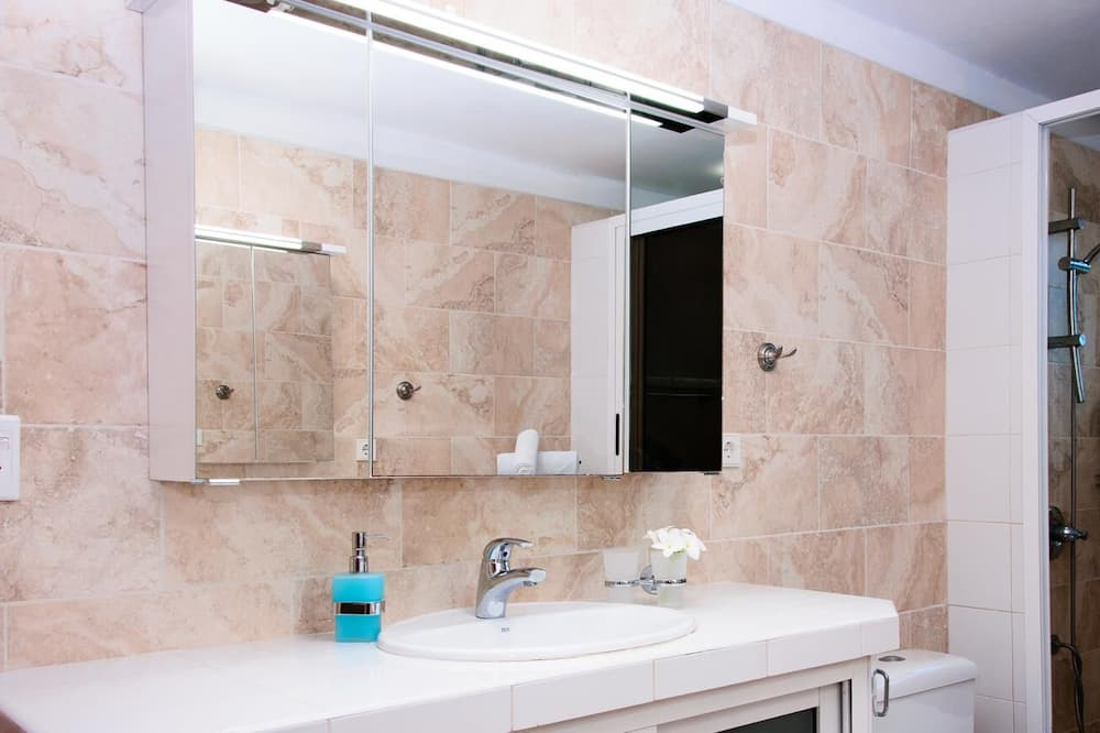Casa Deluxe, Não-fumadores - Casa de banho