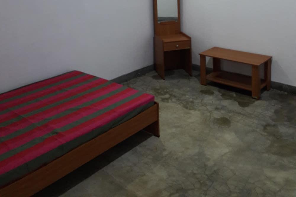 Basic-dobbeltværelse - 1 dobbeltseng - ikke-ryger - Opholdsområde