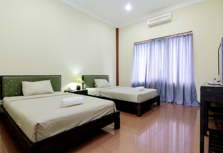 Hotel Tiger Yogyakarta, Depok, Deluxe Twin Room, Guest Room
