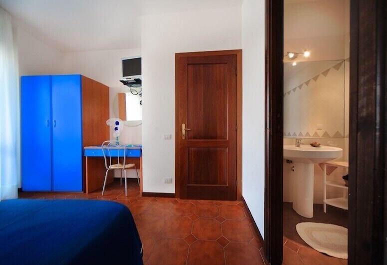 BeB Brisa del Mar, Alghero, Deluxe-huone, Useita sänkyjä, Tupakointi kielletty, Vierashuone