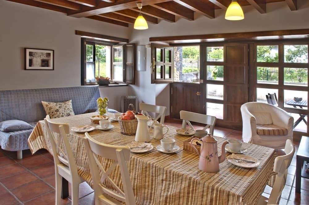 Rumah, 3 kamar tidur - Tempat Makan Di Kamar
