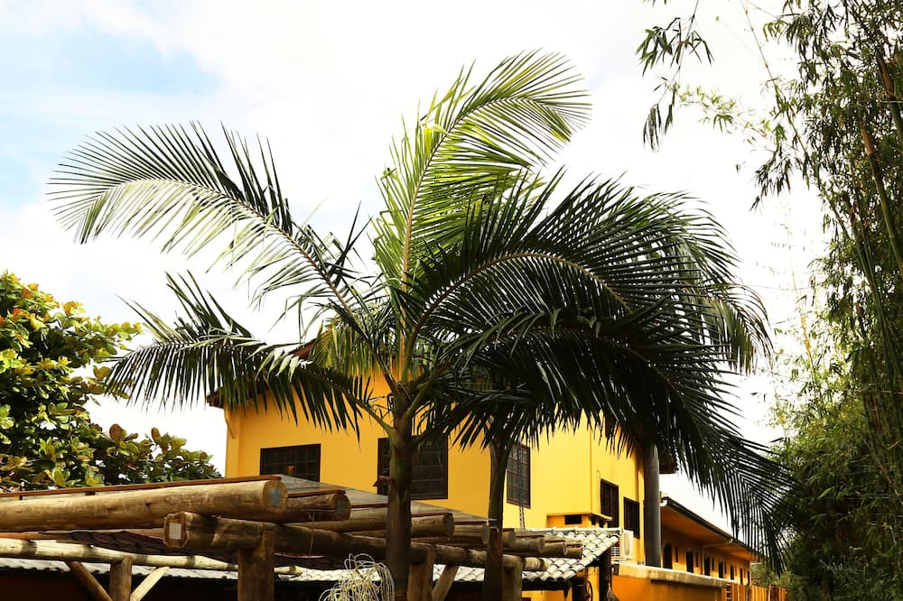 Standard Suite, 1 Double Bed, Smoking, Garden View - Terrace/Patio