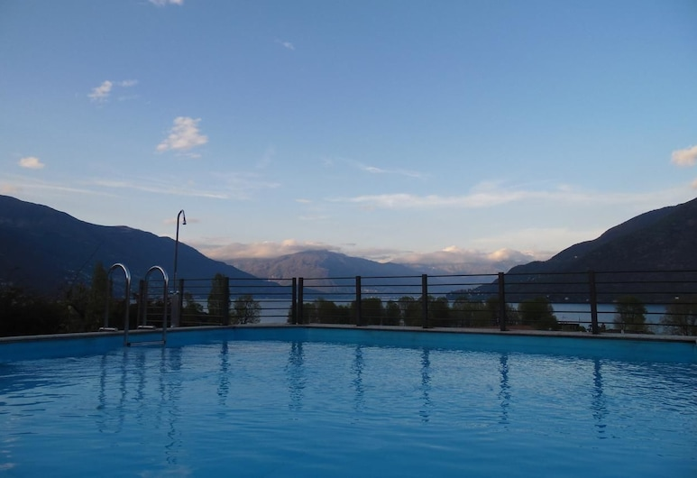 Hotel Giardino, Cannobio, Ulkouima-allas