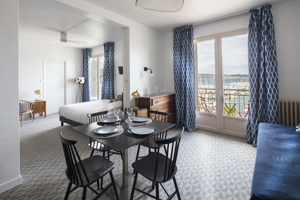 Studio, Balcony, Harbour View - In-Room Dining