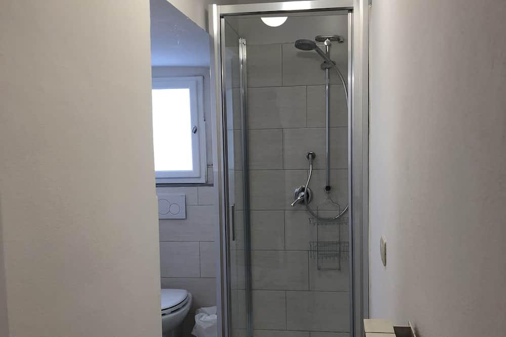 City apartman, több ágy, nemdohányzó, kilátással a városra - Fürdőszoba
